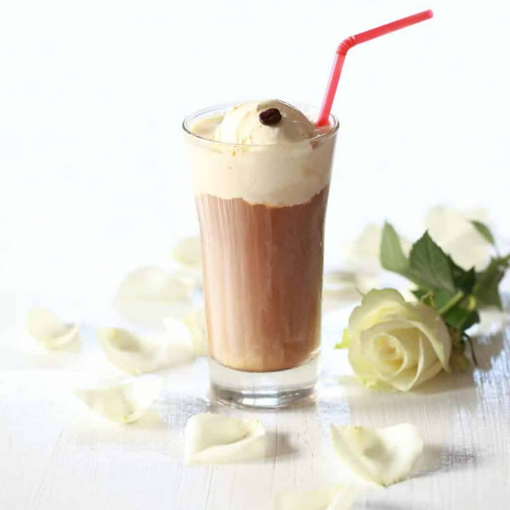 Chi Cafe Frappe Glas mit Eiskugel